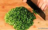 1把韭菜,3個西紅柿,不煮也不炒,教你新吃法,出鍋比吃肉還香