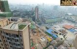 湖北宜昌:市區高樓林立,居民樓頂庭院種植蔬菜
