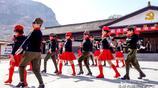 河南鶴壁:女性水兵舞跳進了中國傳統村落趙莊村,明清古村免門票