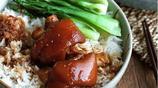 豬蹄又一種新吃法!居然是用電飯煲做的,剛出鍋就忍不住流口水了