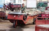 青島46歲漁民自造三輪車當船開,時速可達10海里
