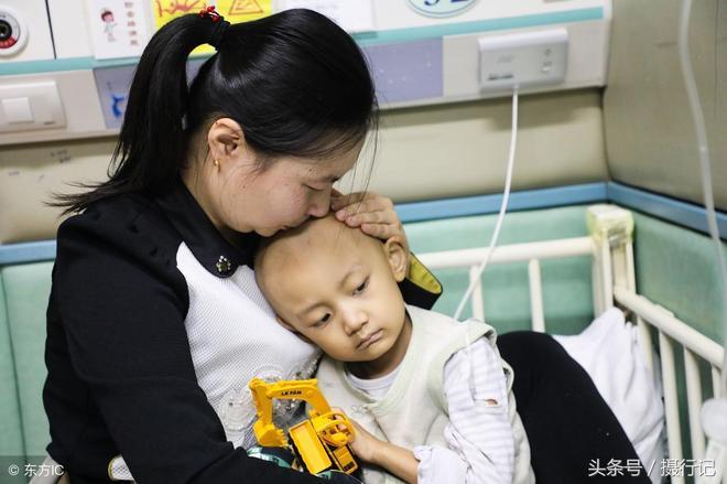 媽媽,是不是我生病你就不要我了?4歲男孩患重病害怕被家人拋棄