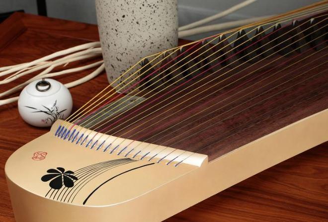 古老的民族樂器古箏