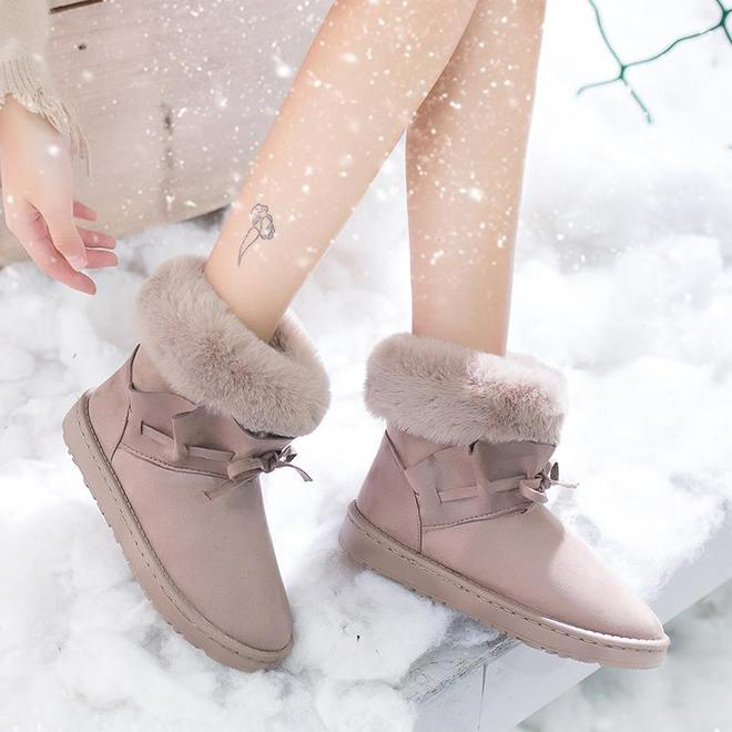 女人冬天少穿高跟鞋,凍腳!12月新出這幾款雪地靴,時髦又保暖
