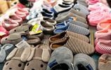 天氣涼,棉鞋俏,店主忙得腳都飛了起來:一天要賣100多雙!