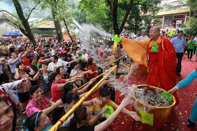 廣西第一佛教名山:桂平西山,石奇樹秀泉甘,萬眾祈福!