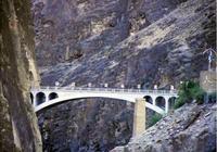 全國唯一禁止拍照的大橋,建造時犧牲一個排,有位士兵融進橋墩中