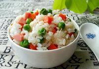 豌豆胡蘿蔔燜飯