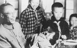 老照片:60年代溥儀全家福,圖9生前最後一張照片,難得一見