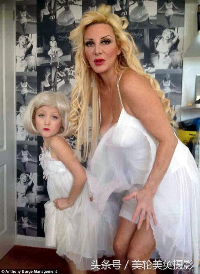 「芭比娃娃」母親