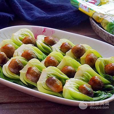 草菇趴油菜的做法
