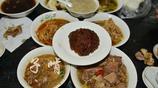 朋友家請客吃飯,一共有6個菜各個都硬氣,看著不起眼味道還超讚