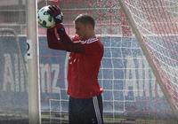 拜仁慕尼黑官方:諾伊爾正式迴歸訓練