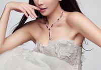 鄭爽、林志玲兩個人的婚紗照,哪個更漂亮,你更喜歡哪個?