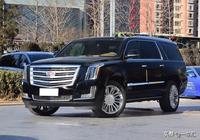 車長接近5米7,軸距超3米3,搭載6.2L V8發動機,不比攬勝氣勢弱
