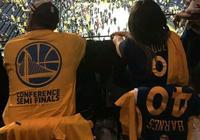 不光是勇士在拼命,場上的每個人都在努力,他們詮釋了籃球的魅力
