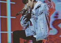 歌手吸菸會對嗓子有什麼影響嗎,為何王源才剛成年就抽菸?
