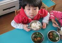 孩子5歲前,這3種飯少吃為好,可能會傷脾胃,影響身體發育