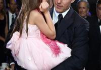 前阿湯嫂和12歲小蘇瑞穿花裙好養眼,美如花仙子,阿湯哥基因真好
