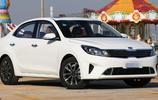 11月才賣58臺,這款合資車怒了,從11萬降到7.14萬,比桑塔納好看