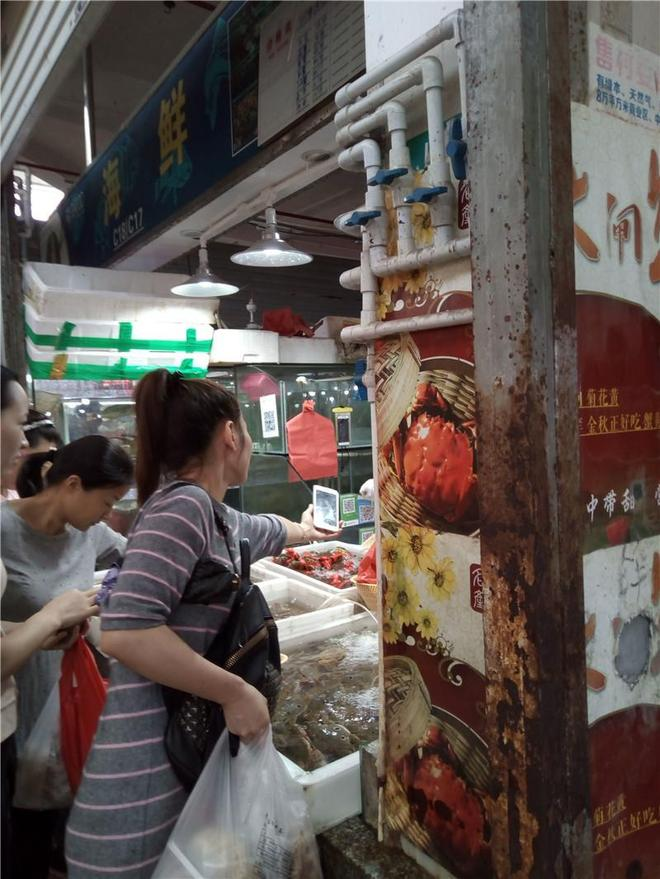 實拍深圳:節假日的寶安上合市場,人來人往,誰說生意不好