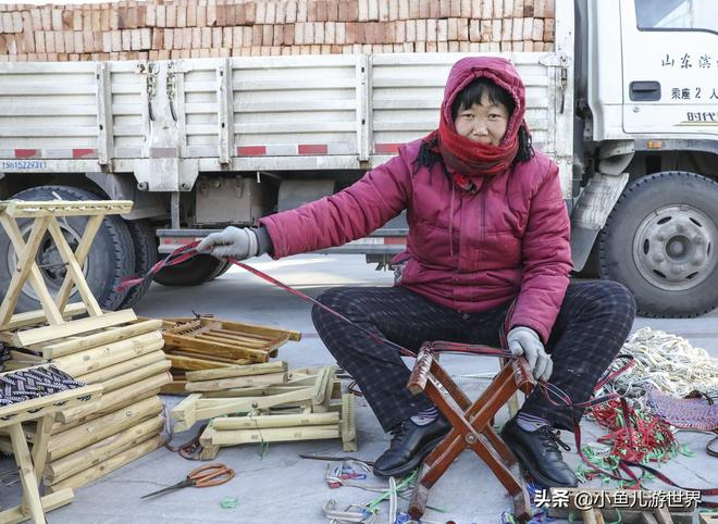 魯北農民大哥手藝好,夫唱婦隨,農村大集掙錢忙,做一件三元