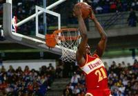 NBA史上誰的扣籃最帥?科比第2詹皇難上榜,他40歲依舊能飛!