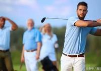 高爾夫技巧 學會控制高爾夫揮杆,保證整體性!