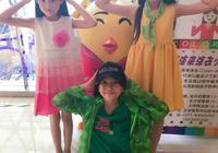 河北省正定縣街上的三位小美女 你們都認識嗎