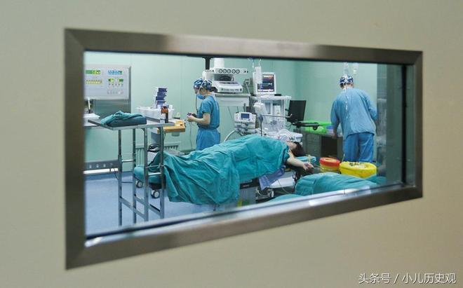 """丈夫查出患有肝癌,妻子哭求醫生""""拿我的肝救他,我得讓他活"""""""