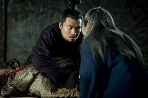 曹操殺死了漢獻帝的皇后,獻帝用出一計,讓曹丕殺了自己的皇后