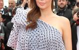 法國女星納比拉·貝娜蒂亮相《魯貝之燈》首映 笑容優雅氣質迷人