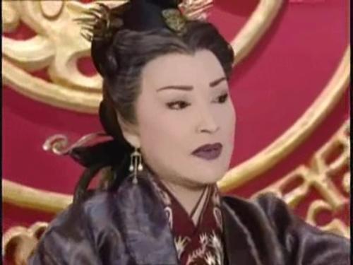 此女因太監一時疏忽寫錯名字,從一屆宮女成為傳奇皇后!