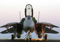 美軍為什麼要退役當時性能並不落後的F-14戰鬥機?