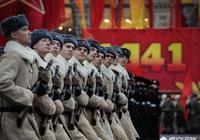 當年希特勒為什麼不趁斯大林紅場閱兵之際炮轟閱兵廣場呢?有什麼顧慮嗎?