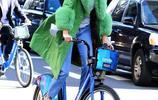 肯達爾·詹娜騎自行車低碳出行,網友說:這綠色長外套也只有她穿