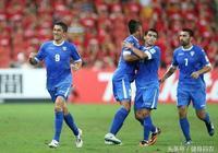 烏茲別克:輸誰都不會輸中國!武漢球迷護衛國足!裡皮罵出奇跡?