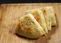 自己在家做蔥油發麵餅,外酥裡嫩、好吃不油膩。