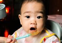 八九個月的寶寶這樣吃輔食,促進生長髮育,也更聰明!