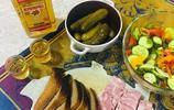 看了俄式正宗下酒菜,終於知道俄羅斯人為什麼這麼愛喝酒了