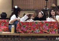 章子怡包文婧大談女兒,張嘉倪孤單吃飯,卻被謝娜的襪子搶鏡