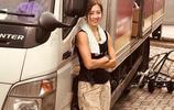 """我,30歲,家道中落後在香港做搬運工10年,被稱""""最美"""""""