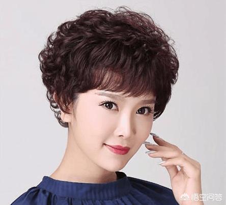 為什麼一些上年紀的女士都喜歡燙頭髮?