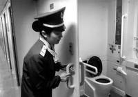 你有沒有想過?火車上廁所,屎尿真的直接排軌道上了嗎?長見識了