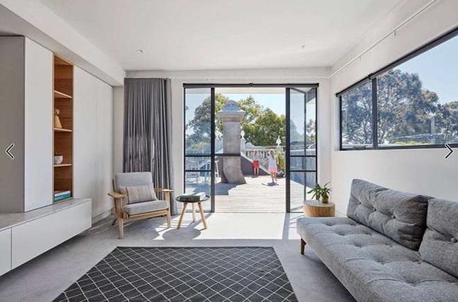 別墅設計:有天台庭院的小2層別墅,用紅磚做牆面也可以很好看