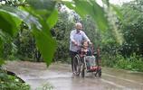 老兵放棄工作回老家,41年精心照料癱瘓妻子,網友:這是人間真愛