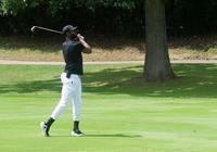 瀟灑!德維恩-韋德晒自己打高爾夫球的照片