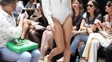 女星伊莎貝莉·芳塔娜登臺時尚SHOW,鏡頭面前表現得相當專業