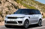 全新路虎攬勝採用全鋁車身,讓車身在變得更輕盈的同時也更加堅固