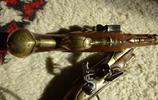 一對兒漂亮的袖珍燧發槍,製作於1780年,使用少見的青銅槍管